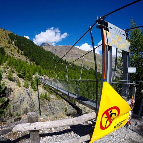 Hängebrücke über die Gomer Schlucht © Joel Meredith